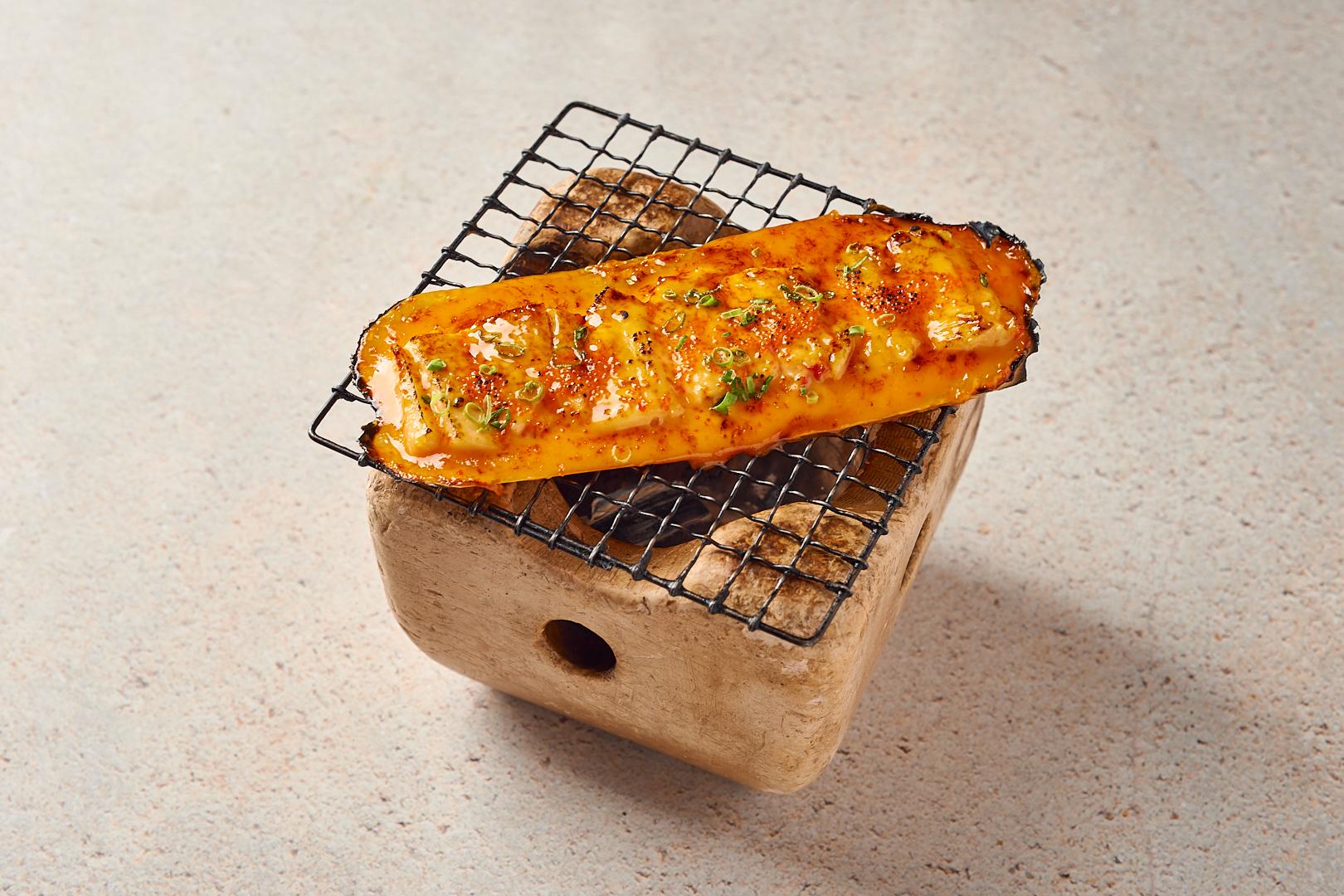 Фаланги камчатского краба под соусом «Спайси»