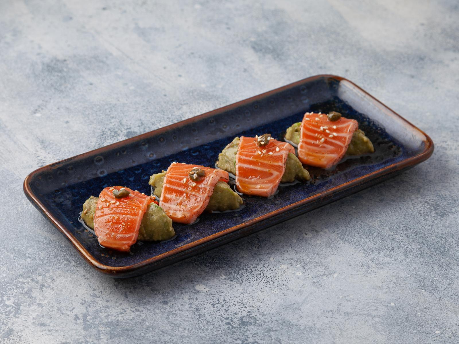 Татаки лосось с гуакомоле
